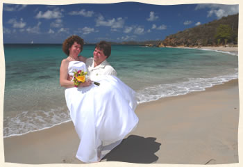 suzy and bob married at Bluebeards Beach
